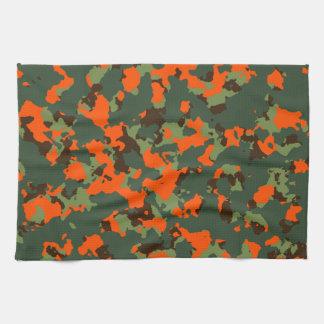 安全炎のオレンジとの緑の迷彩柄 キッチンタオル