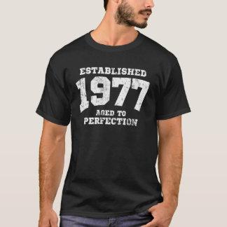 完全さに老化する確立された1977 Tシャツ