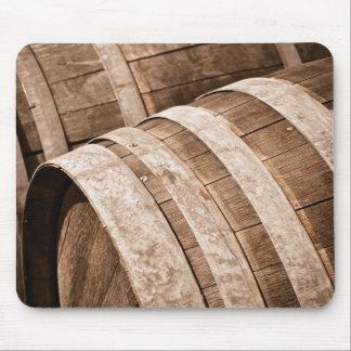 完全さのワインバレルのヴィンテージセラーに老化させる マウスパッド