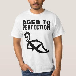 完全さの誕生日のおもしろTシャツに老化させる Tシャツ