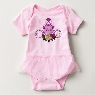 宝石で飾られた妖精フレームのピンクのベビーのチュチュのボディスーツ ベビーボディスーツ