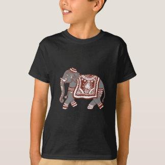 宝石で飾られた象 Tシャツ