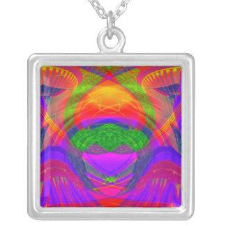 宝石色の抽象芸術の大きいネックレス シルバープレートネックレス