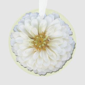 宝石類-ペンダント-白い《植物》百日草 オーナメント