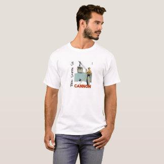 実質のスキーヤーのスキー大砲山 Tシャツ