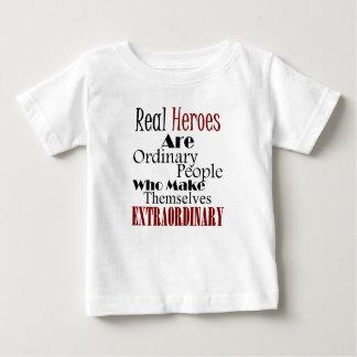実質の英雄の異常な人々 ベビーTシャツ