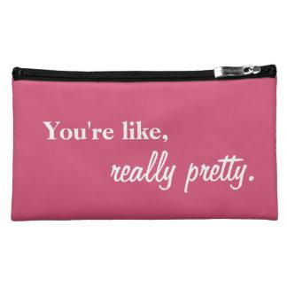 実際にかわいらしい化粧品のバッグ