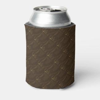 実際にキルトにされた焦茶の缶ビールの袖 缶クーラー