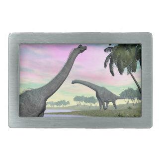 実際のところブラキオサウルスの恐竜- 3Dは描写します 長方形ベルトバックル