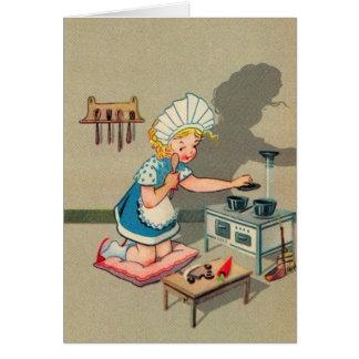 家のメッセージカードを遊んでいるヴィンテージの小さな女の子 カード