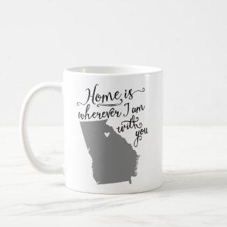 家は私があなたと{アテネ、GA}マグであるところはどこでもです コーヒーマグカップ