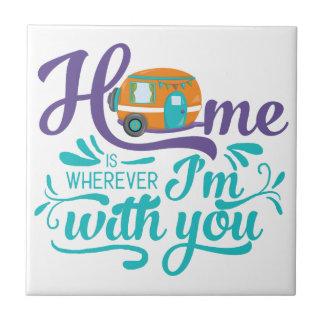 家は-かわいいレトロのキャンピングカー私があなたとあるところはどこでもです タイル