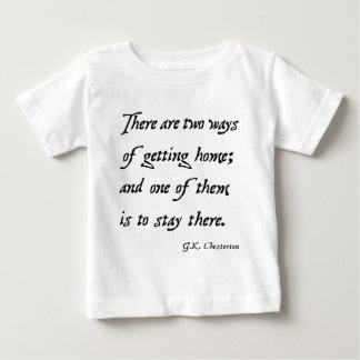 家を得る2つの方法: Chesterton ベビーTシャツ