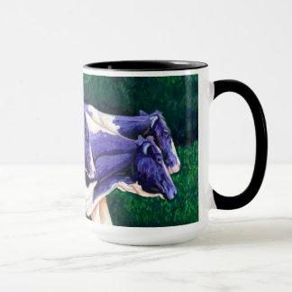 家庭の紫色牛を来ること マグカップ