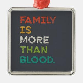 家族は愛より多くです メタルオーナメント