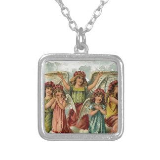 家族-雲に坐る天使の系列 シルバープレートネックレス