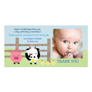 家畜の納屋周囲の庭のベビーは写真カード感謝していしています カード