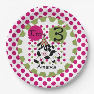 家畜は牛第3誕生日の紙皿を飾ります ペーパープレート