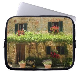 家、広場ローマの外の鉢植えな植物、 ラップトップスリーブ