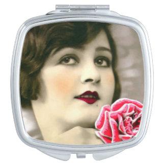 密集した鏡- 20年代の女の子