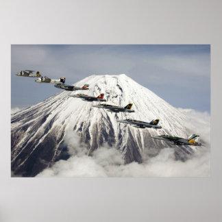 富士山、日本上の航空機 ポスター
