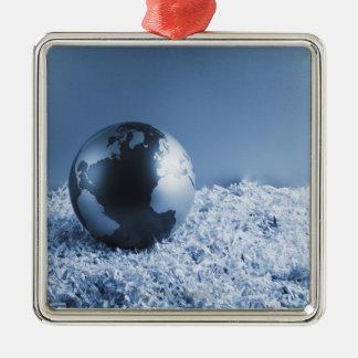 寸断された紙の金属の地球 シルバーカラー正方形オーナメント