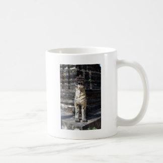 寺院のドラゴン コーヒーマグカップ