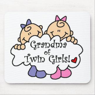 対の女の子のTシャツおよびギフトの祖母 マウスパッド