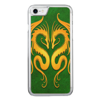 対の種族のドラゴン、黄色および緑 CARVED iPhone 8/7 ケース