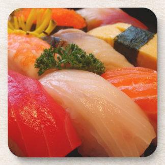 寿司ロール刺身の上のグルメのシェフのヒップスターの写真 コースター