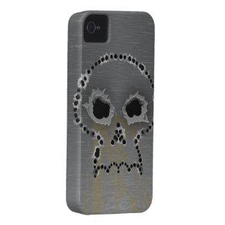 射撃はゴシック様式スカルのブラックベリーのはっきりしたな箱に穴をあけます Case-Mate iPhone 4 ケース