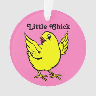 小さいひよこの明るく黄色い鶏 オーナメント