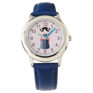 小さいアジア女の子 腕時計