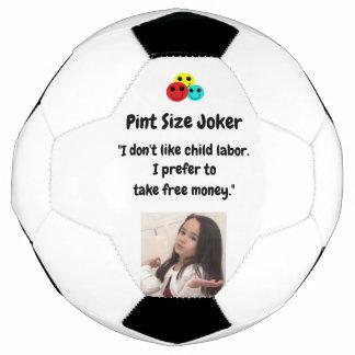 小さいジョーカー: 児童労働および自由貨幣 サッカーボール