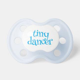 小さいダンサーの青 おしゃぶり