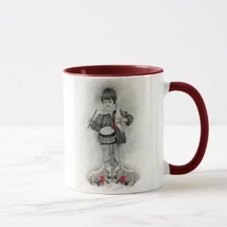 小さいドラマーの男の子のマグ マグカップ