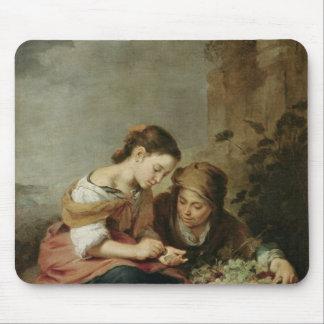 小さいフルーツ販売人1670-75年 マウスパッド