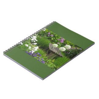 小さいベンチ-写真のノート- 80の並べられたページ ノートブック