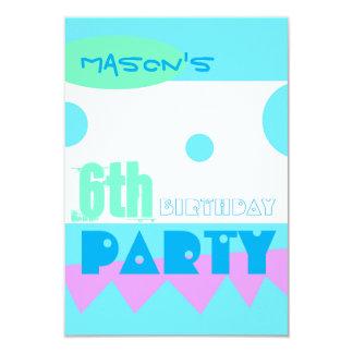 小さいモンスターの第6誕生日のパーティの招待状 カード