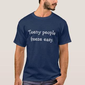 """""""小さい人々の氷結の簡単""""。 Tシャツ"""
