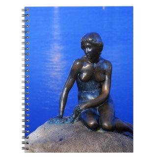 小さい人魚の彫像、コペンハーゲン、デンマーク ノートブック
