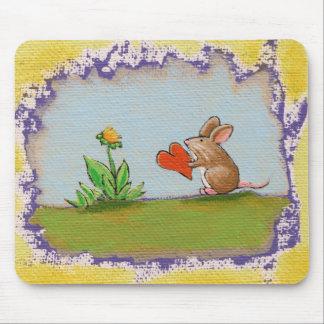 小さい人-ロマンチックなマウスのラットのハートの花--に勇敢に立ち向かって下さい マウスパッド