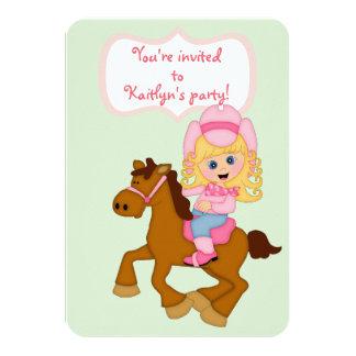 小さい女性のカーボーイの誕生日のパーティの招待状 カード