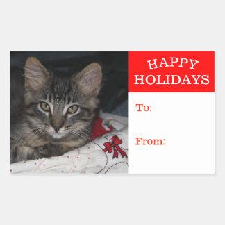 小さい子ネコのカスピ海の幸せなクリスマスのプレゼントのステッカー 長方形シール