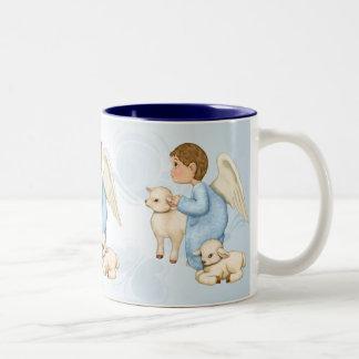 小さい恵みの天使の男の子 ツートーンマグカップ