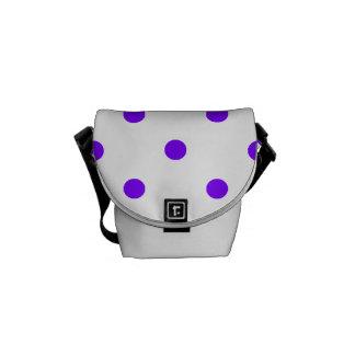 小さい水玉模様-白のバイオレット メッセンジャーバッグ