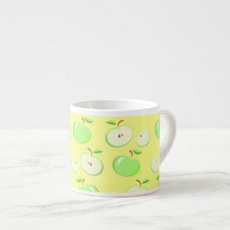 小さい緑のりんごのフルーツのエスプレッソのコーヒー・マグ エスプレッソカップ