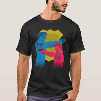 小さい警察官の大きい警察官のワイシャツ Tシャツ