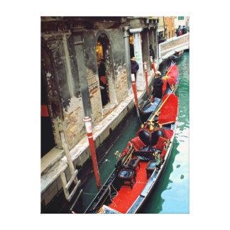 小さい運河のゴンドラ キャンバスプリント