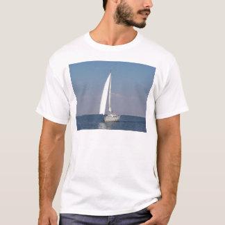 小さくスペインのなヨット Tシャツ